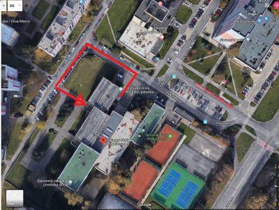 Pobočka Prokofievova opäť otvorená, vstup cez bočný vchod školy