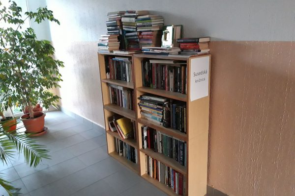 Susedská knižnica Vyšehradská 3